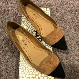 ABS Tan Black Pointed Toe Flats
